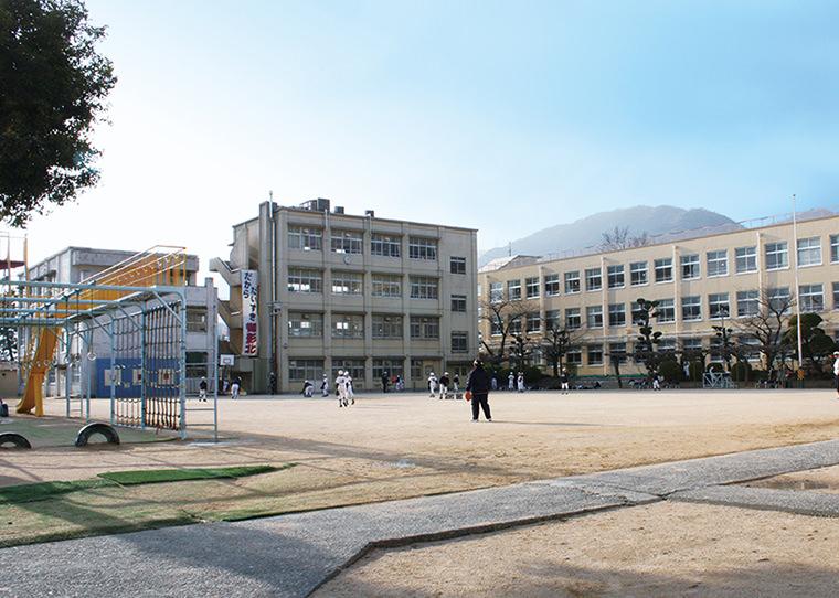 市立御影中学校 約870m(徒歩11分)