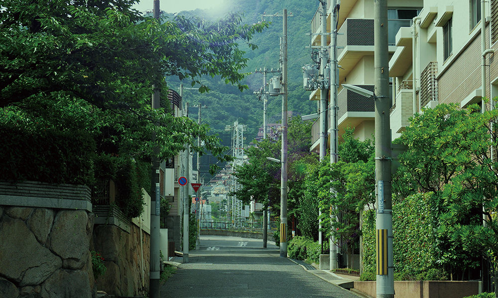 現地周辺の街並み 約90m