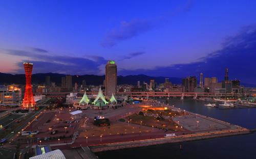 メリケンパーク 約200m ※撮影協力:神戸メリケンパークオリエンタルホテル