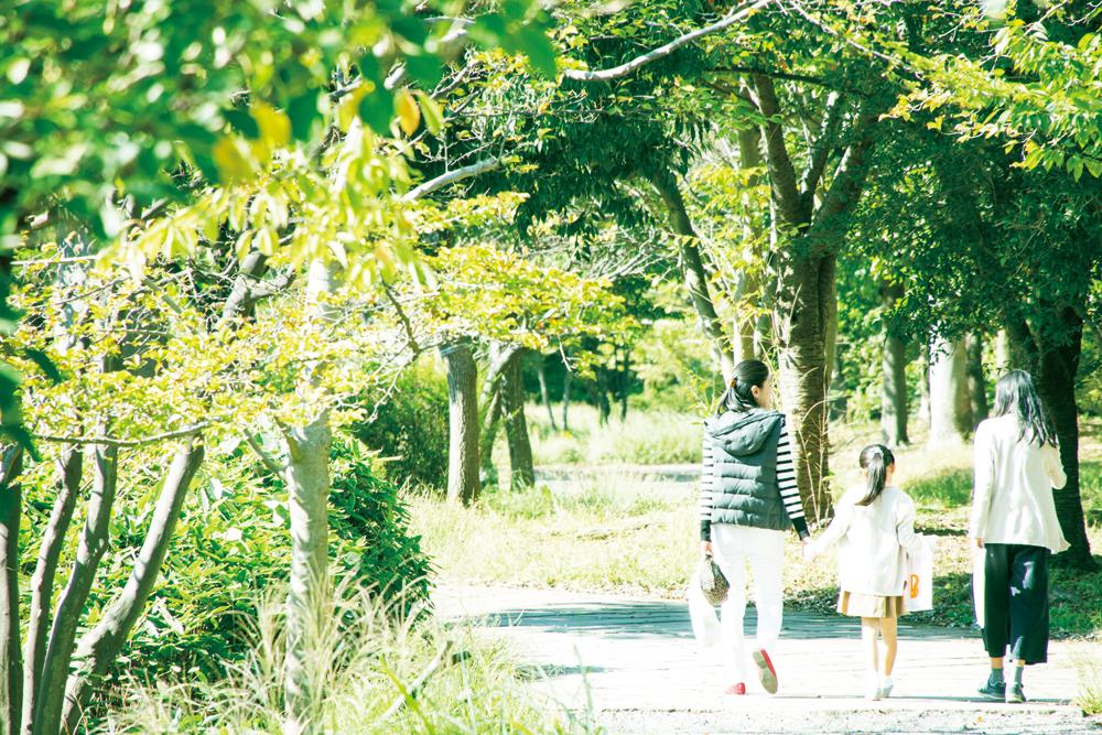 牛久保西公園 約740m(徒歩10分)