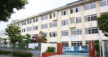 城香中学校 約560m(徒歩7分)