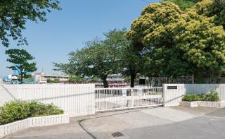 市立小柳小学校 約400m(徒歩5分)