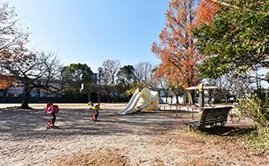 春風公園 約190m(徒歩3分)
