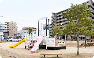 高知ぽかぽか温泉 約600m(徒歩8分)
