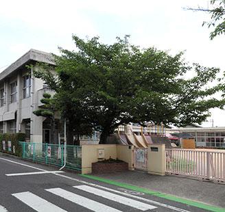 倉敷市立老松小学校 約850m(徒歩11分)