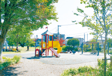 富士見公園 約950m(徒歩12分)