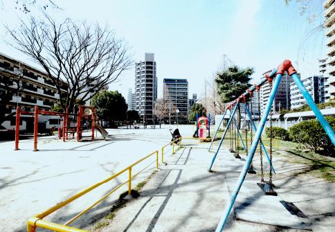 堀川公園 約110m(徒歩2分)