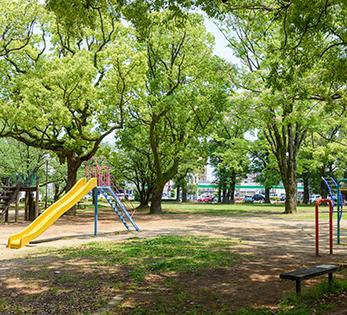 栄町公園 約20m(徒歩1分)