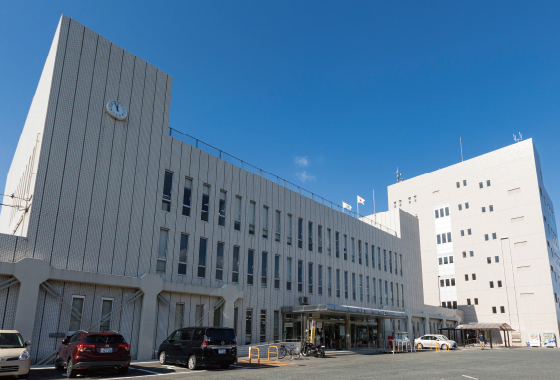 糸島市役所 約1,840m(徒歩23分)