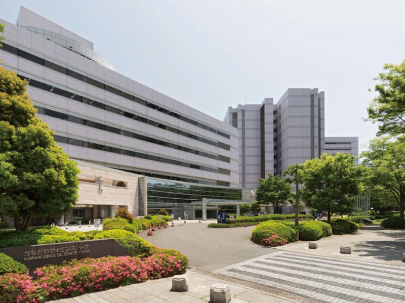 神奈川県立川崎図書館 約190m(徒歩3分/自転車1分)