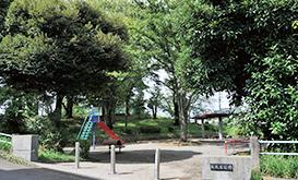松葉台公園 EAST約30m徒歩1分・WEST約340m徒歩5分