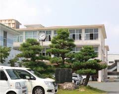 白井医院 約450m(徒歩6分)