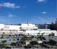 県立博物館美術館 約1.2km(徒歩15分)