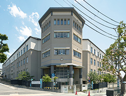 神戸市立高羽小学校 約820m(徒歩11分)