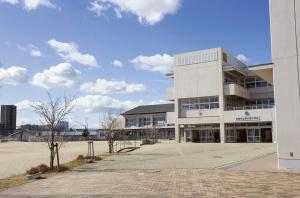 安城市立梨の里小学校 約450m(徒歩6分)