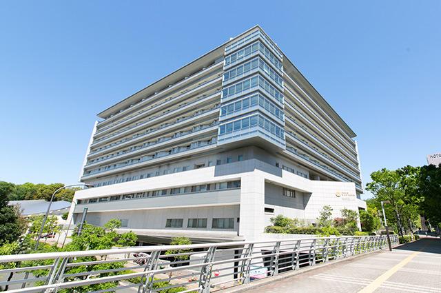 昭和大学横浜市北部病院 約970m(徒歩13分)