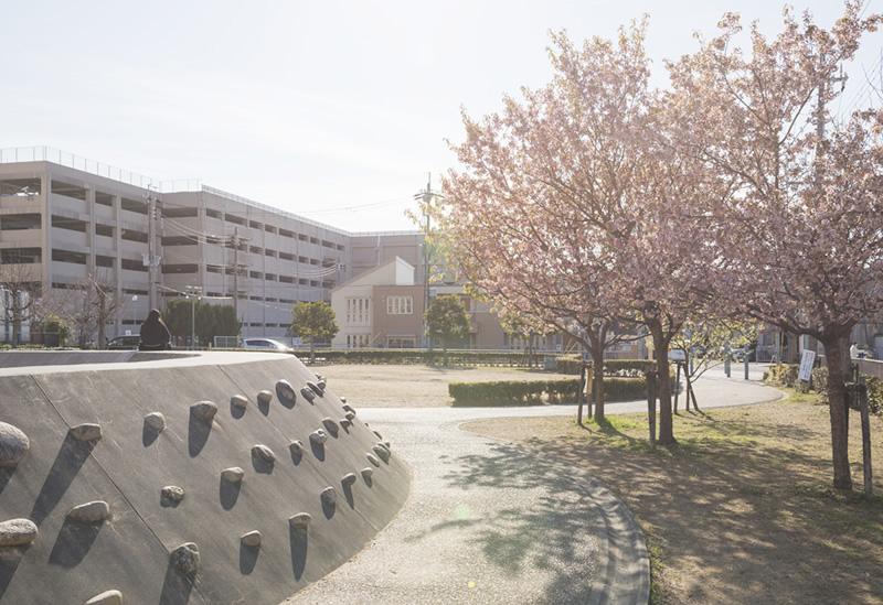 ゆりのき通南公園 約210m(徒歩3分)