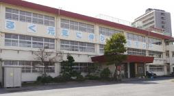 北方小学校 約960m(徒歩12分)