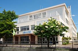 札幌市立北陽中学校 約1,100m(徒歩14分)