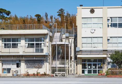 市立山内小学校 約560m(徒歩7分)
