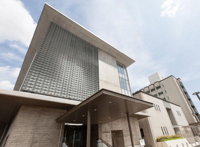 佐賀市役所 約360m(徒歩5分)
