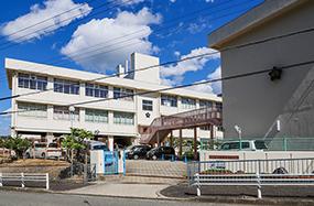 大丸須磨店 WEST棟:約1,040m(徒歩13分) EAST棟:約1,000m(徒歩13分)