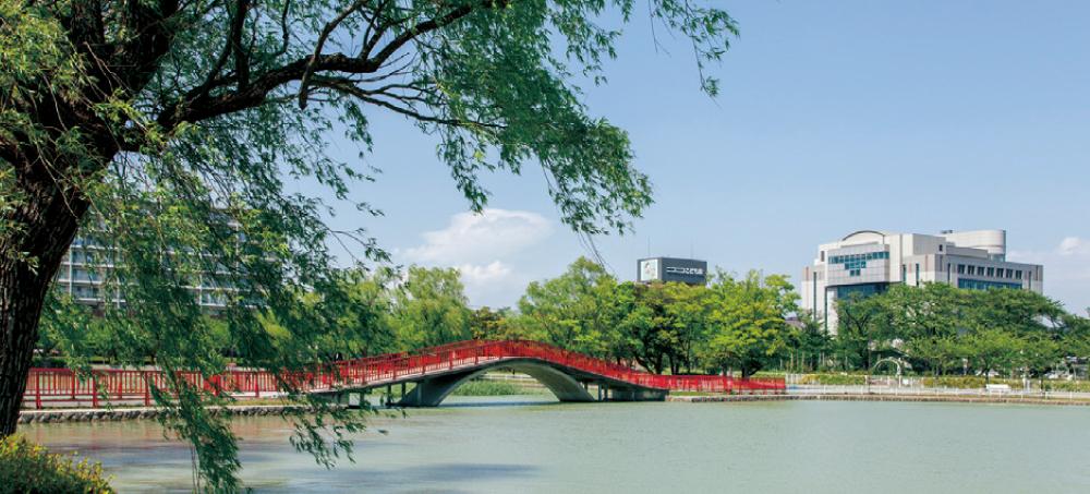 開成山公園 約1,420m(徒歩18分)
