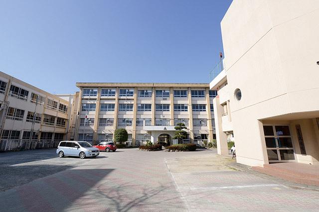 久留米市立諏訪中学校 約660m(徒歩9分)