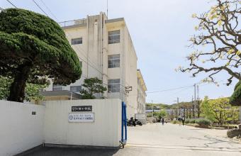 小笹小学校 約460m(徒歩6分)