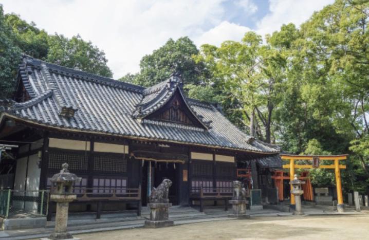 白鳥神社 約540m(徒歩7分)