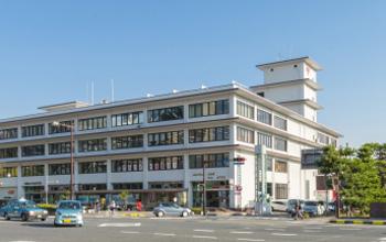 和歌山中央郵便局 約670m(徒歩9分)