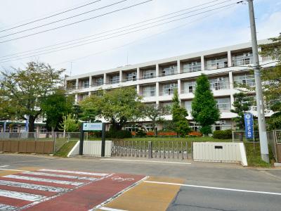 村立東海南中学校 約715m(徒歩9分)