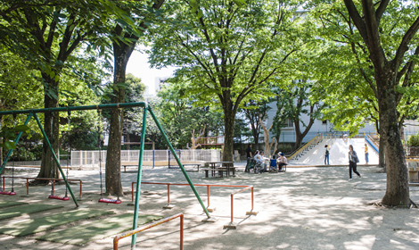 新井薬師公園 約240m(徒歩3分)