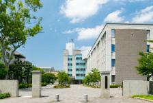 修猷館高等学校 約1,340m(徒歩17分)