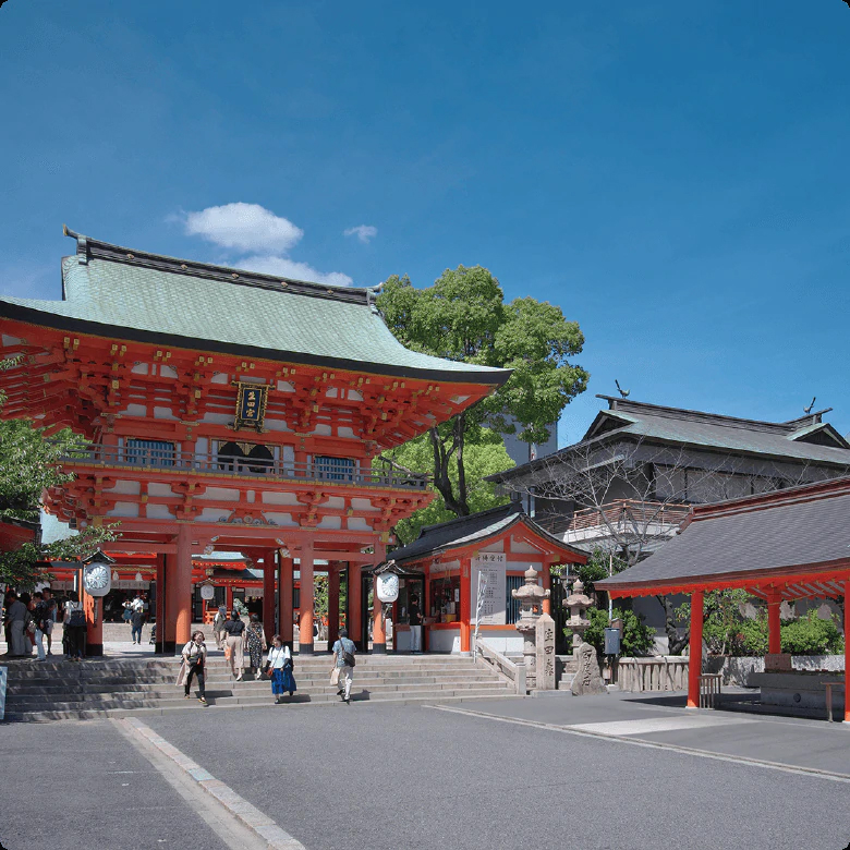 生田神社 約1,280m(徒歩16分)