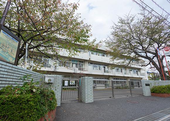 横浜市立いぶき野小学校 約650m(徒歩9分)