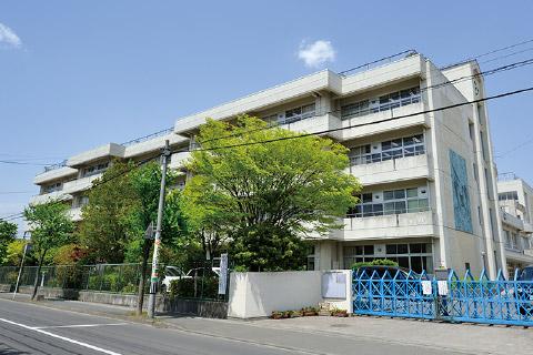 仙台市立富沢中学校 約1,000m(徒歩13分)