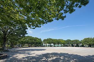 落合中央公園 約1,150m(徒歩15分)