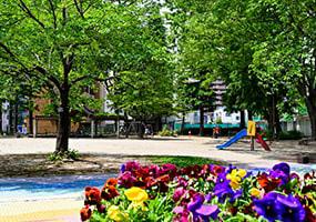 北三番丁公園 S:約110m(徒歩2分) C:約100m(徒歩2分)