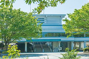 藤沢市民会館 約280m(徒歩4分)