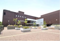 茅ヶ崎市民文化会館 約70m(徒歩1分)