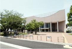 茅ヶ崎市総合体育館 約140m(徒歩2分)