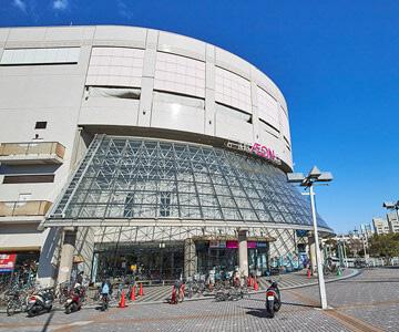 アピタ金沢文庫店 約590m(徒歩8分)