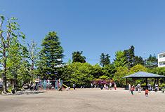 通町公園 約600m(徒歩8分)
