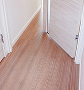 住戸内(玄関を除く)は安全性に配慮し、フラットフロア※を採用しています。※日本住宅性能表示基準によるものです。