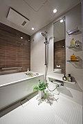 使い勝手はもちろん、心地よさ、美しさまで備わった機能美にあふれるバスルーム