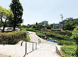 清水緑地 約640m(徒歩8分)