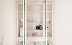 すっきり整理できる三面鏡裏収納、専用の収納スペースをご用意。