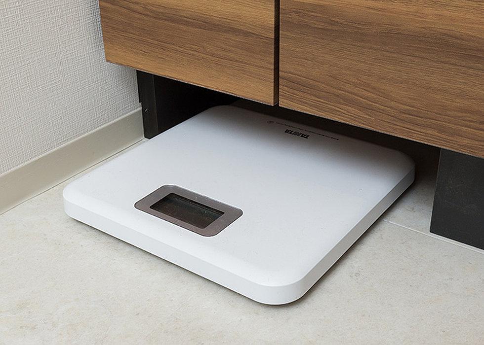 ヘルスメータースペース(洗面化粧台下部のデッドスペースを有効利用。)