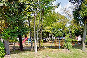 長峰児童公園 約180m(徒歩3分)